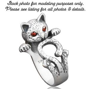 3/$30 Vintage Red Eyed Silver Cat Ring Adjustable